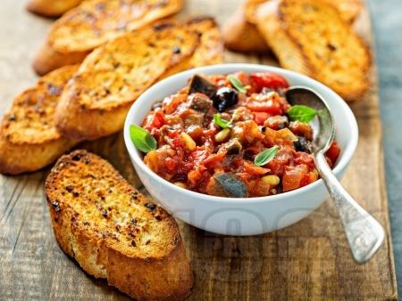 Капоната – италианска яхния / предястие с патладжан, каперси, маслини и кедрови ядки - снимка на рецептата